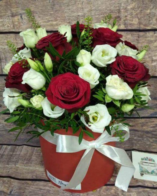 Коробки с розами
