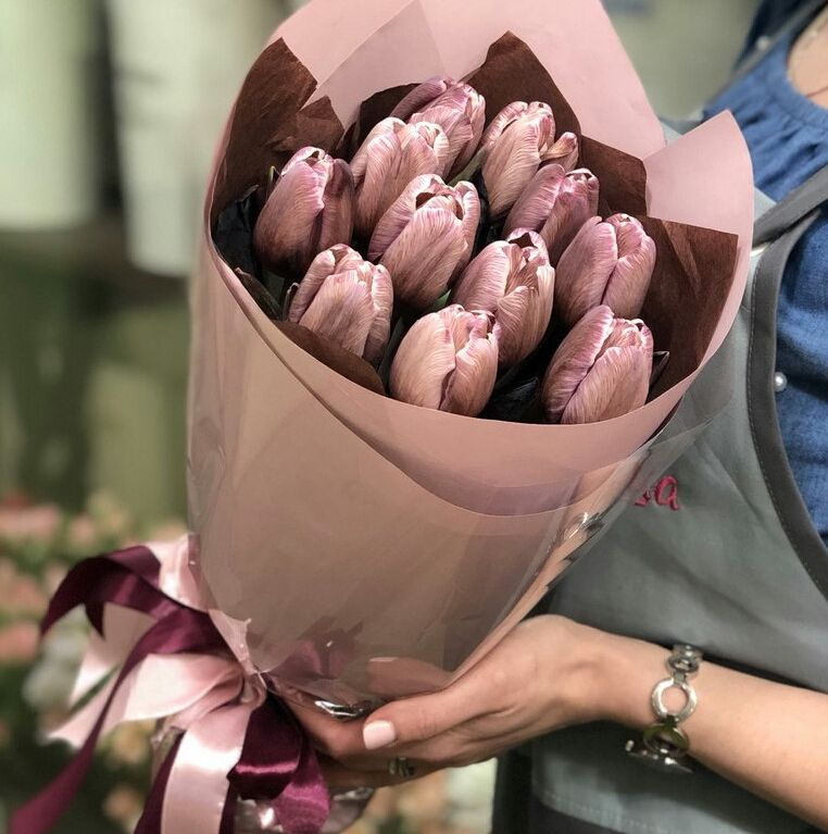 Букет сборный из 11 тюльпанов 170