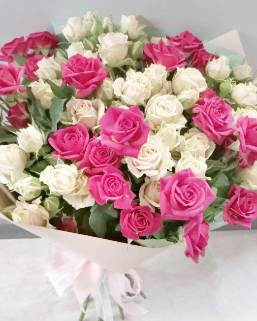 букет из кустовой розы микс 2