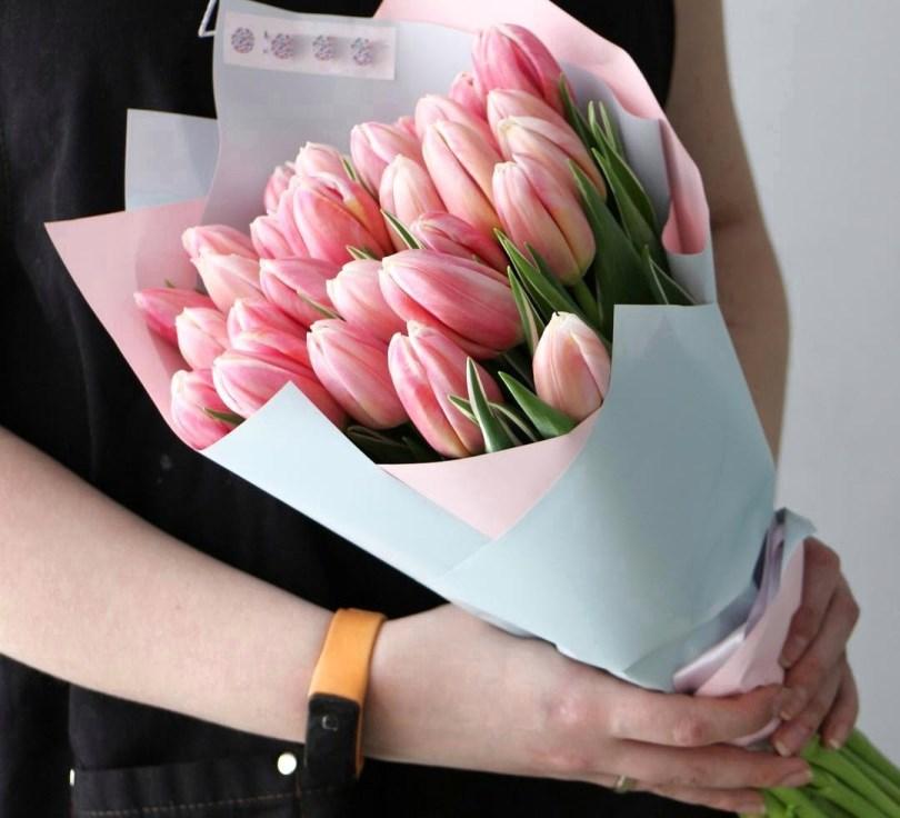 Букет сборный из 25 тюльпанов 247