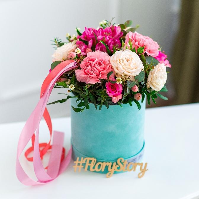 Бархатная коробка с пионовидной розой 440