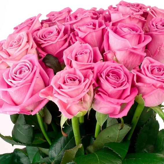 Букет сборный из розовых роз 070