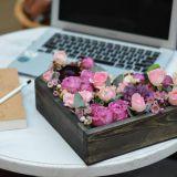 Сердце с цветами в деревянной основе 016