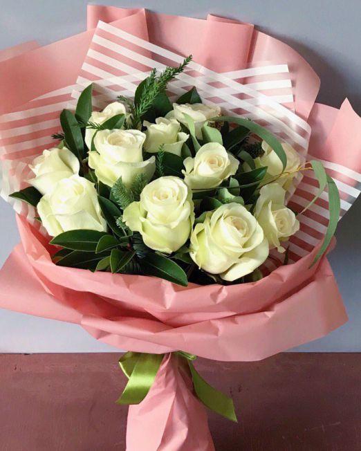 Букет сборный из белой розы 003