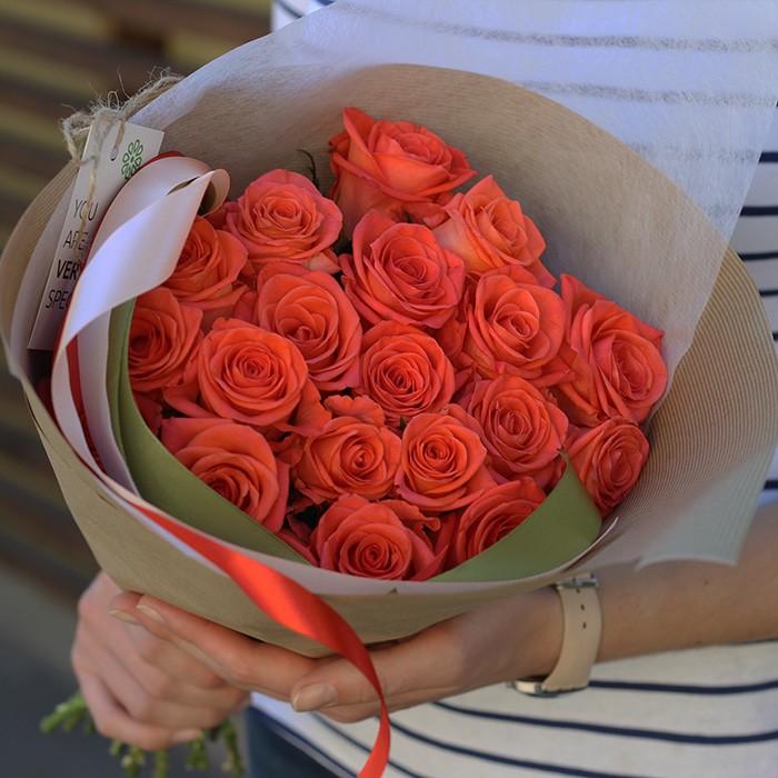 Букет сборный из 15 рыжих роз 418