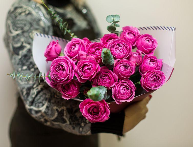 Букет сборный из пионовидной розы 234
