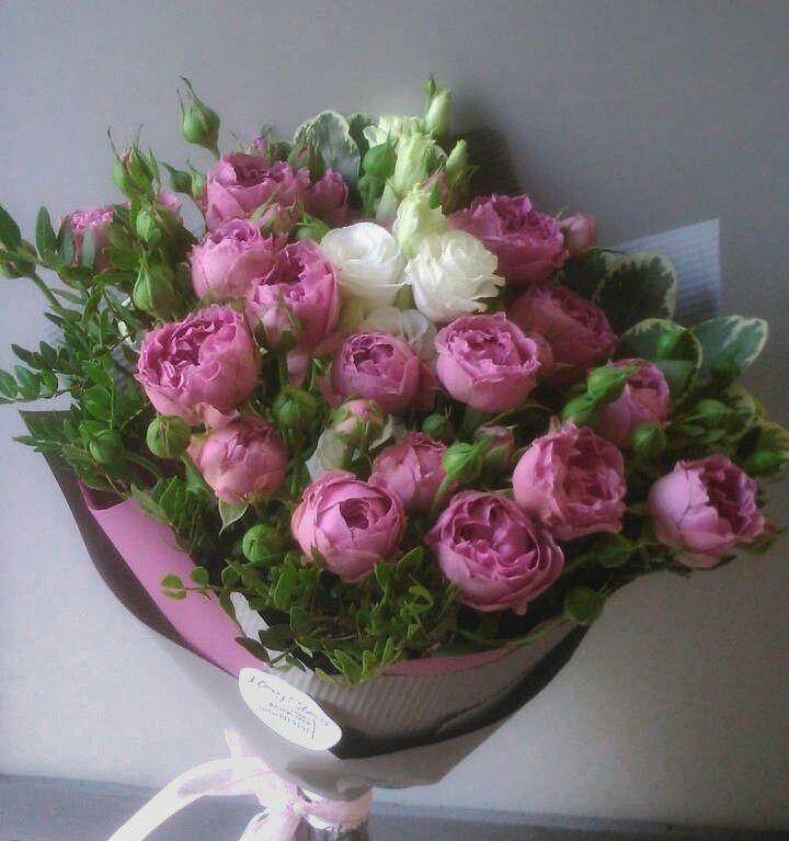 Букет сборный из пионовидной розы и эустомы 065