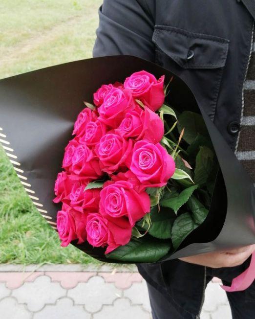 Букет сборный из 15 розовых роз 006
