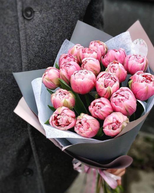 Букет сборный из 17 пионовидных тюльпанов 244