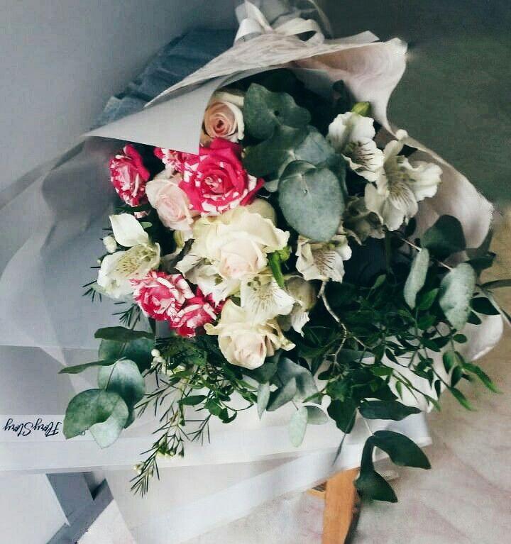 Букет сборный из кустовой розы 120