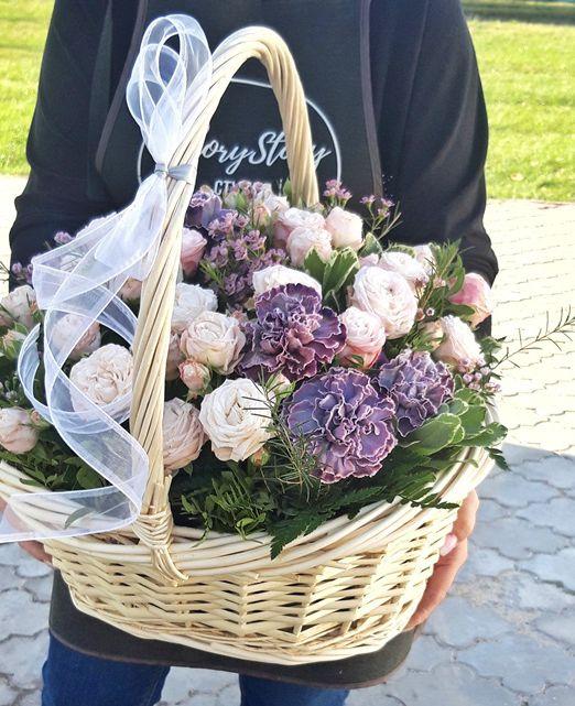 Корзина с пионовидной розой 426