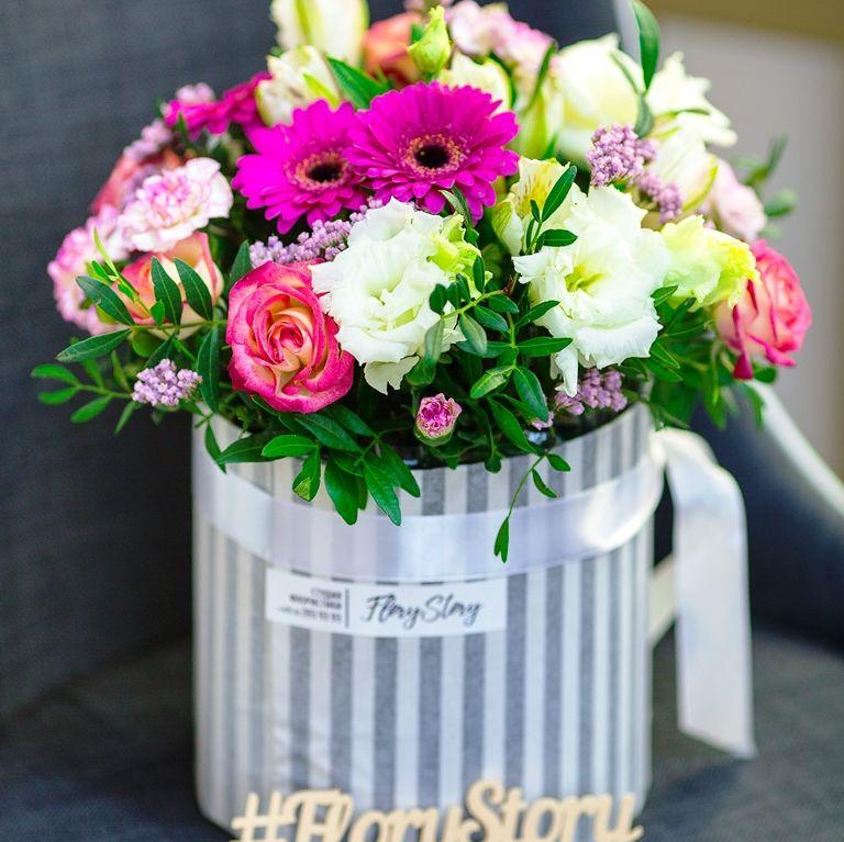 Коробка круглая (цилиндр) с цветами 130