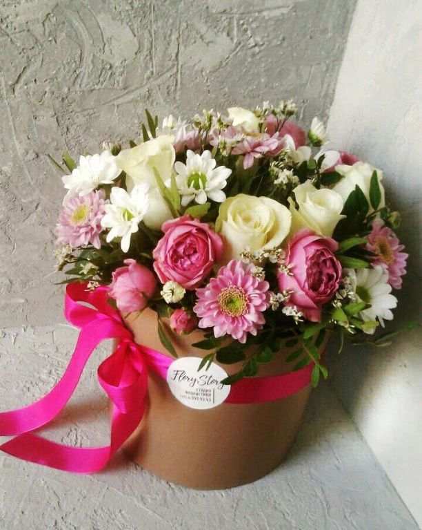 Коробка круглая (цилиндр) с цветами 025
