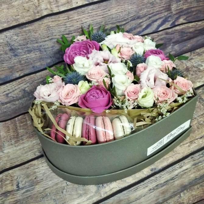 Сердце с цветами в коробке 015
