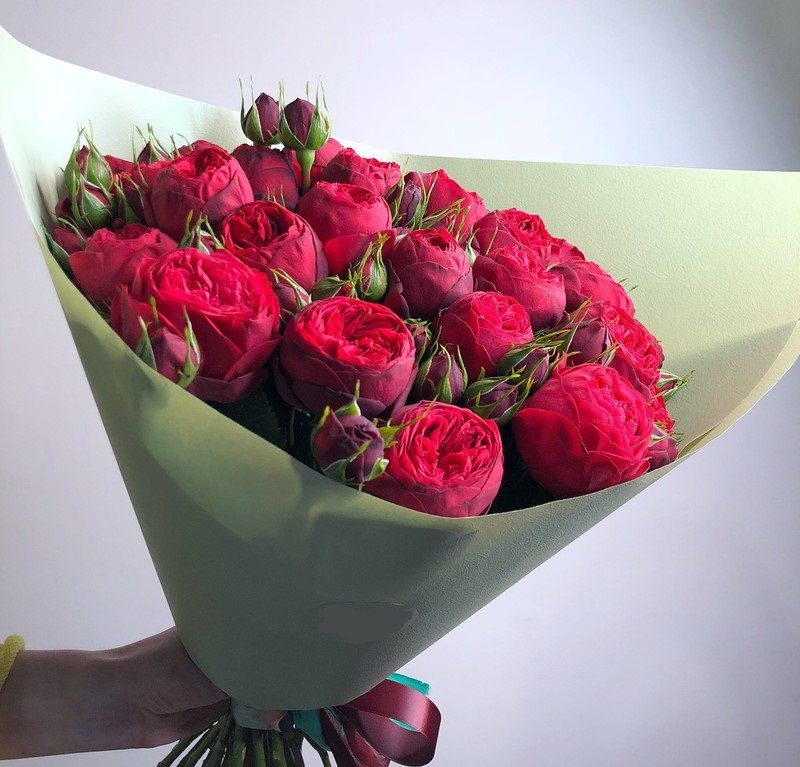 Букет с красной пионовидной розой 510