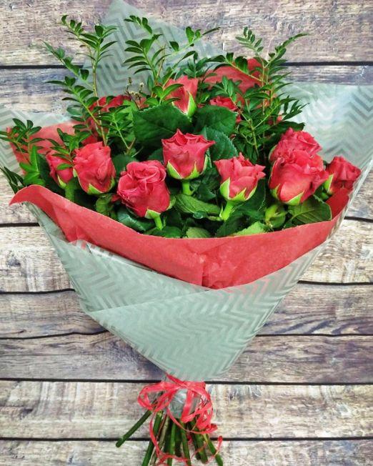 букет из 11 красных роз_