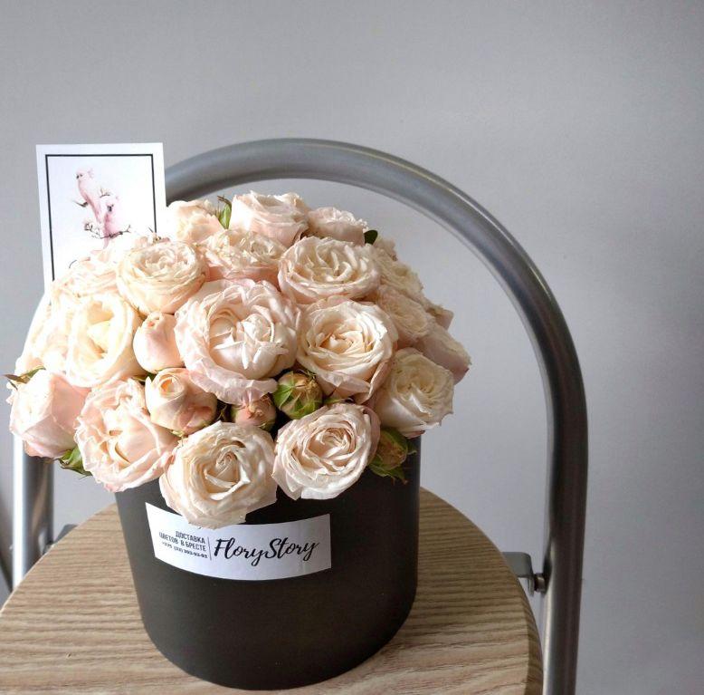 Коробка круглая (цилиндр) с пионовидной розой 110