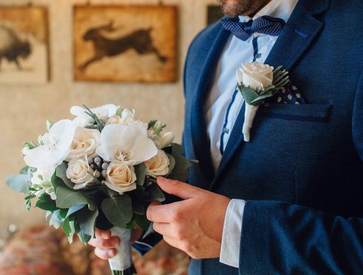Свадебный букет невесты из роз, брунии, орхидеи — 701