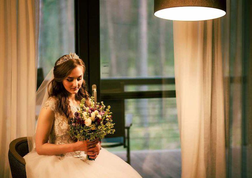 Свадебный букет невесты в сиренево-фиолетовых тонах — 717