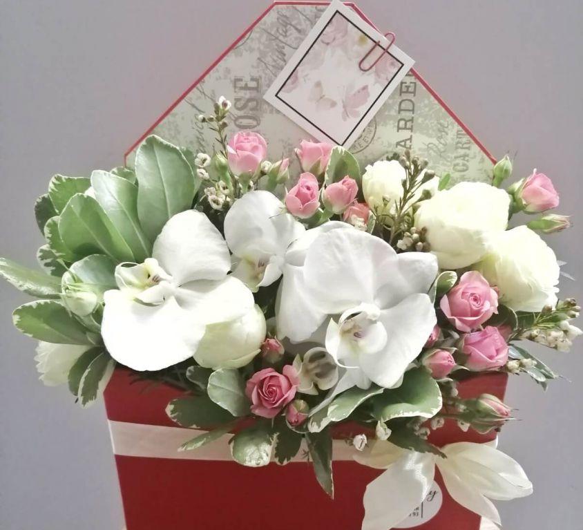 Коробка КОНВЕРТ с орхидеей 341