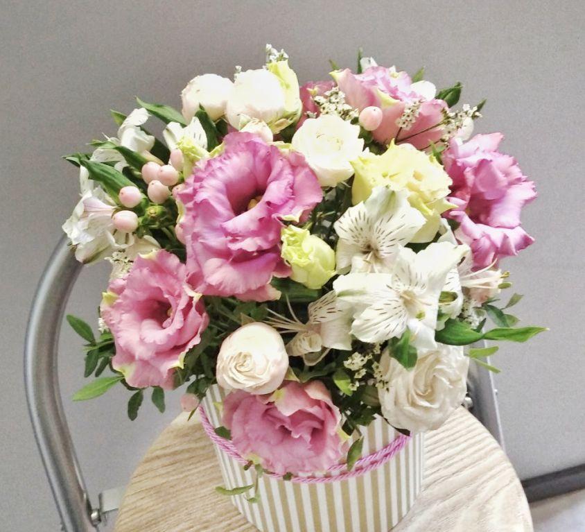 Коробка шляпная с цветами 339