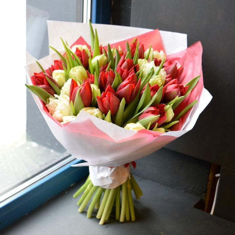 Букет сборный из 35 тюльпанов 173