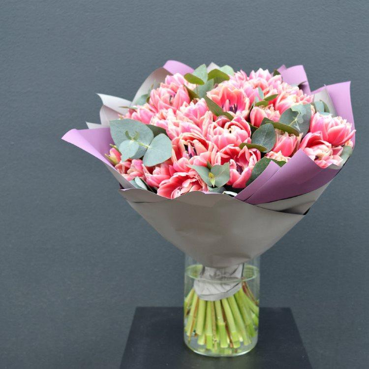Букет сборный из пионовидных тюльпанов 221