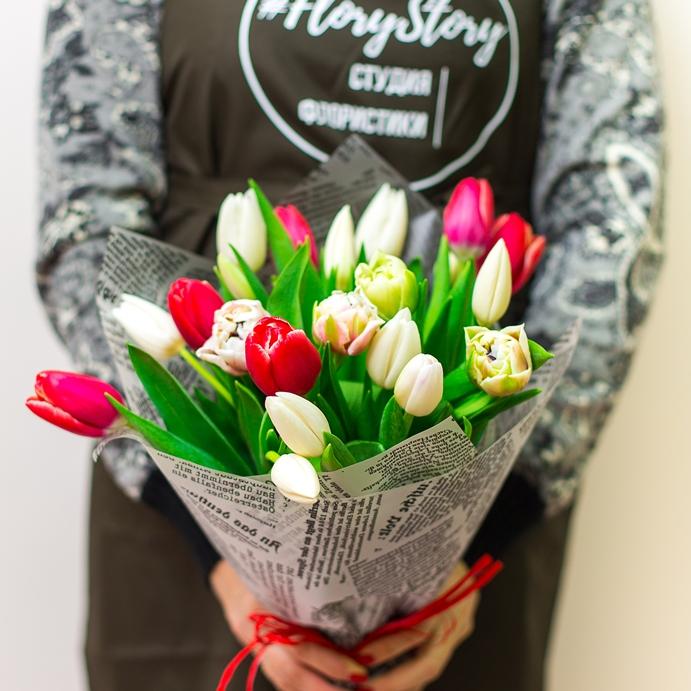 Букет сборный из 21 тюльпана 398