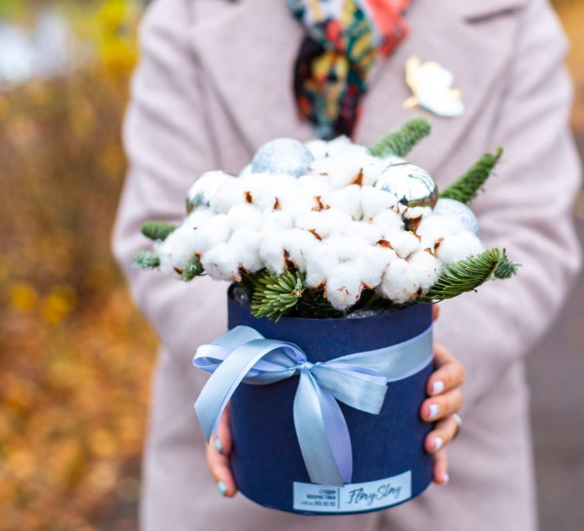 Коробка шляпная с сухоцветами хлопком 355