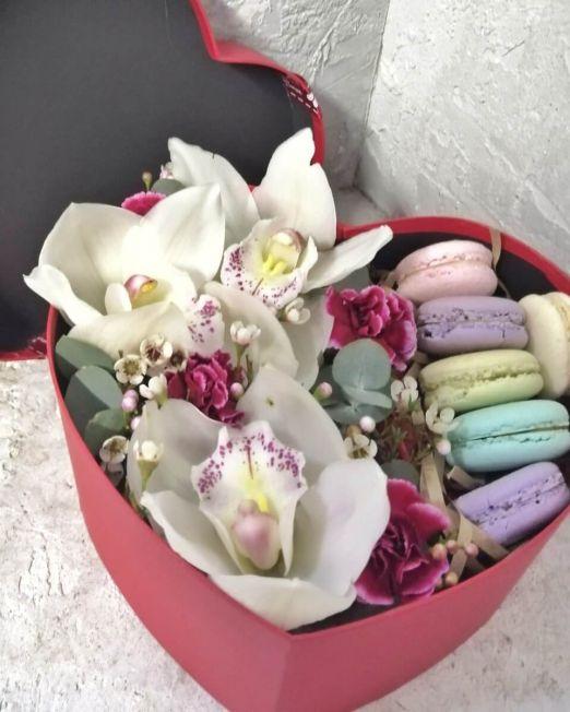 сердце с орхидеей и макаронс 2