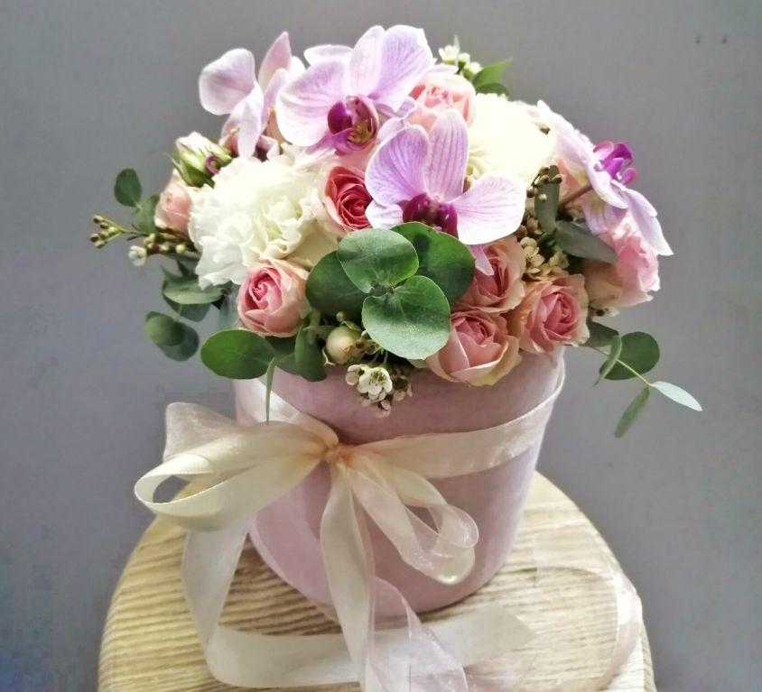 Коробка шляпная бархатная с орхидеей 366