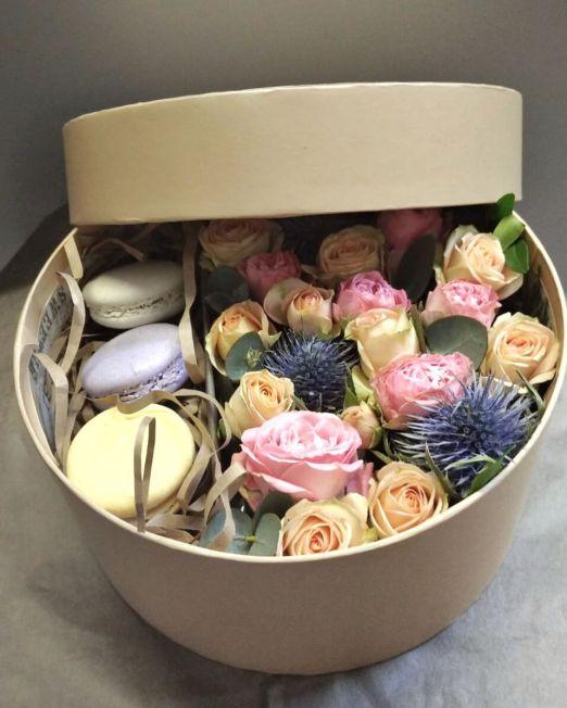шляпная коробка с макаронс