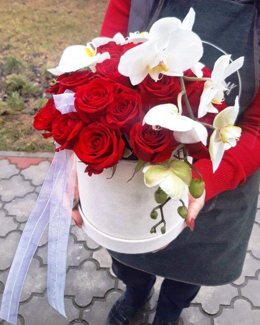 шляпная коробка с орхидеей 2