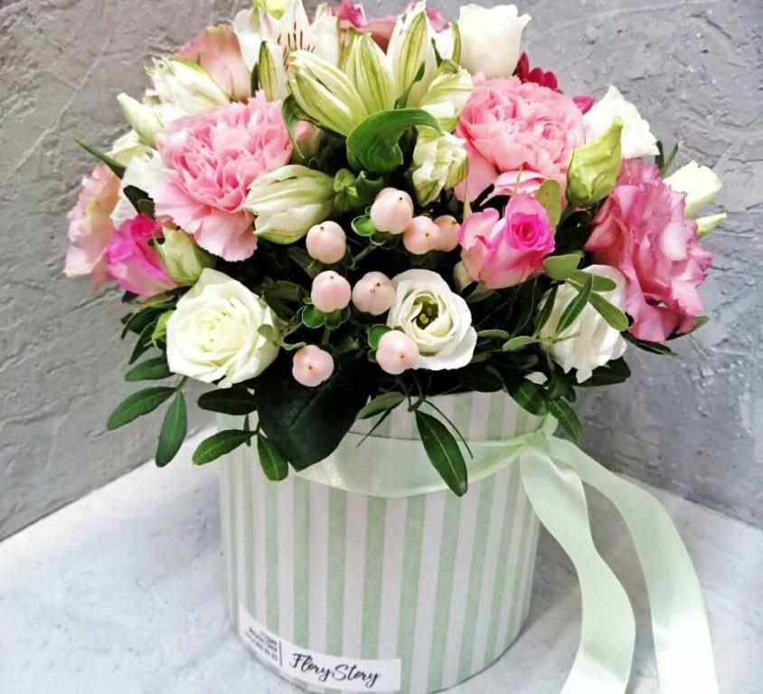 Коробка шляпная с цветами 358