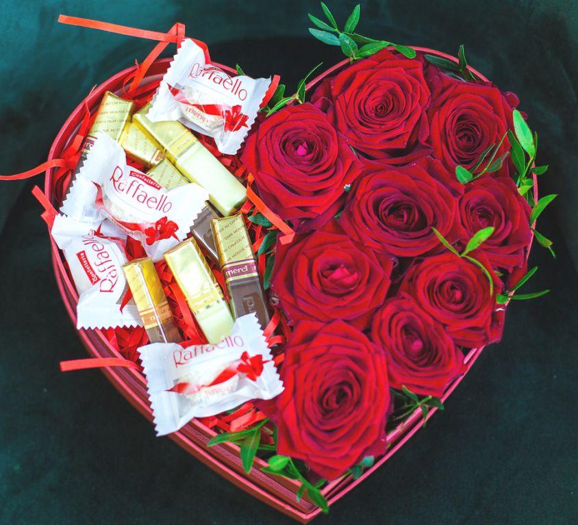 Сердце с розами в коробке 321