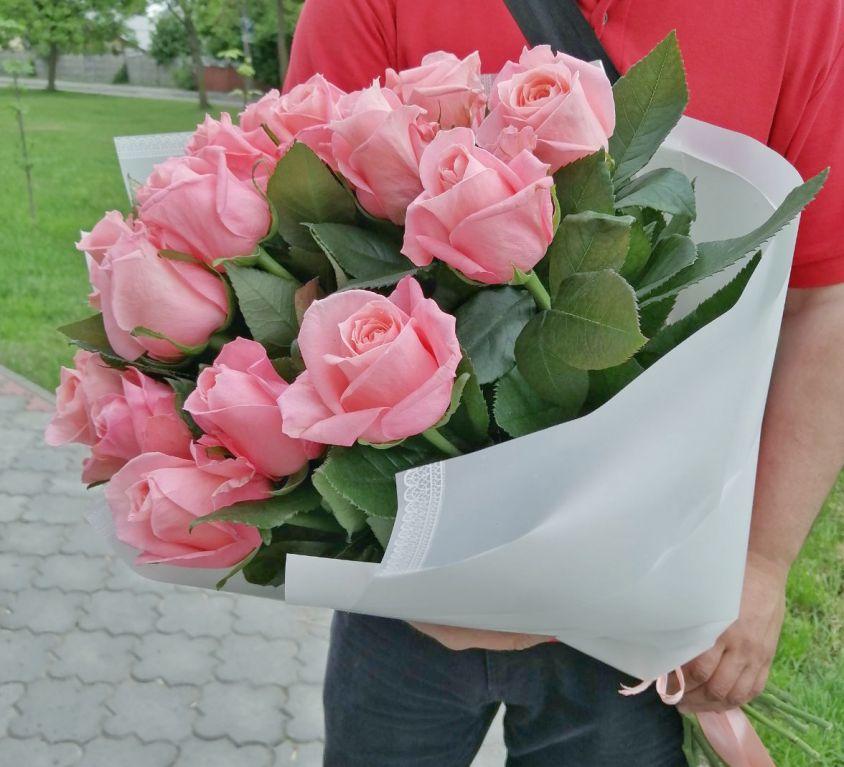 Букет из 15 розовых роз 150