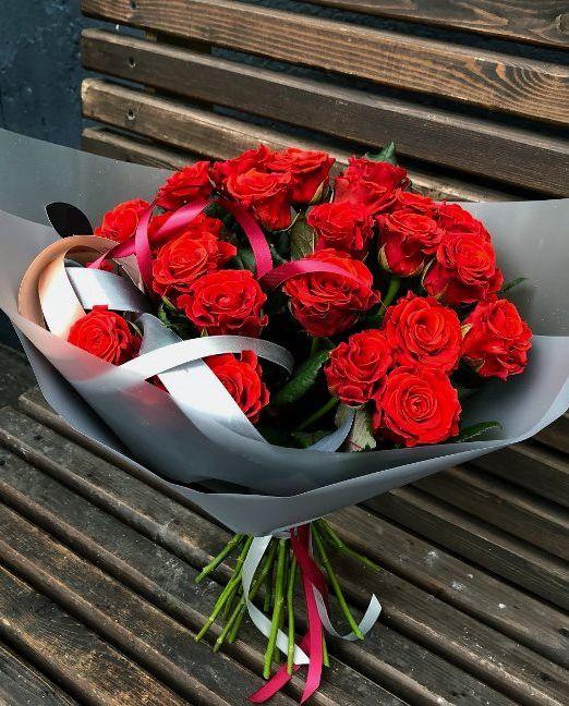 букет из красных роз эльторро
