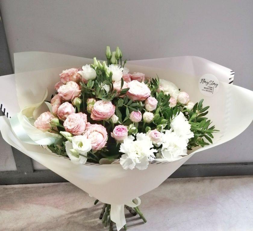 Букет сборный из пионовидной розы 073