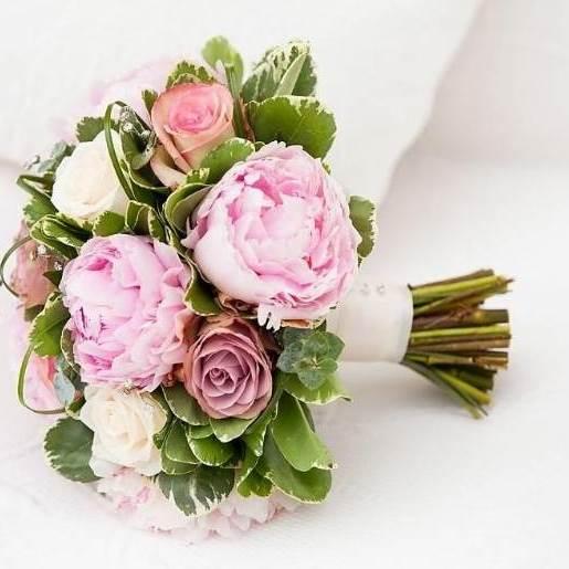Свадебный букет невесты из розовых пионов — 728