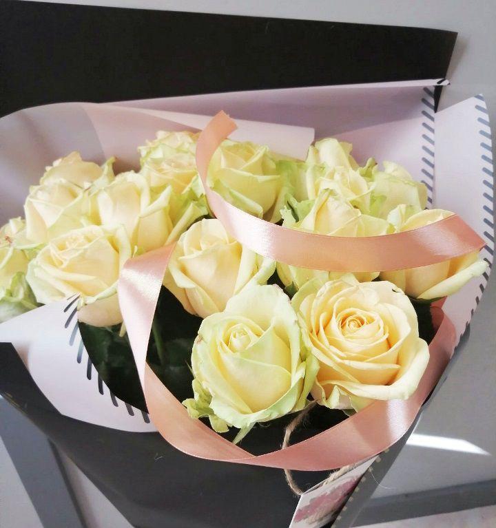 Букет из 15 персиковых роз — 043