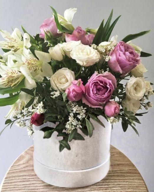 шляпная коробка бархатная с пионовидной розой 091