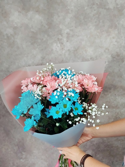 Букет из цветной хризантемы 523