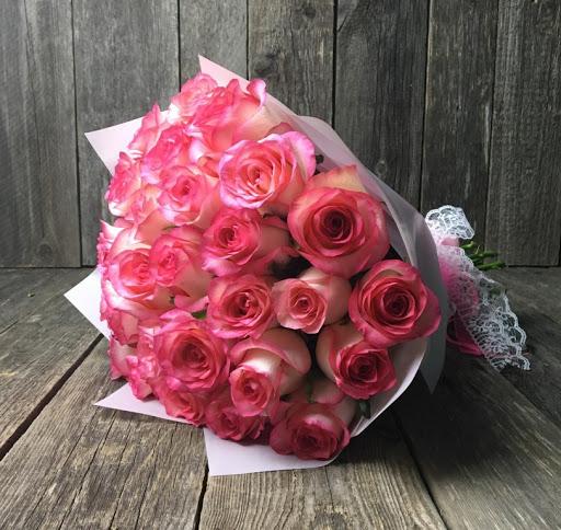 Букет из 25 розово-белых роз 329