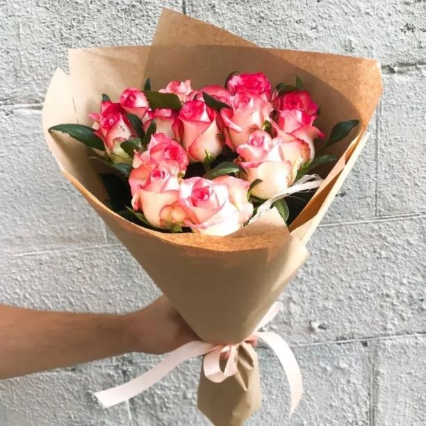 Букет из 11 двухцветных роз 500