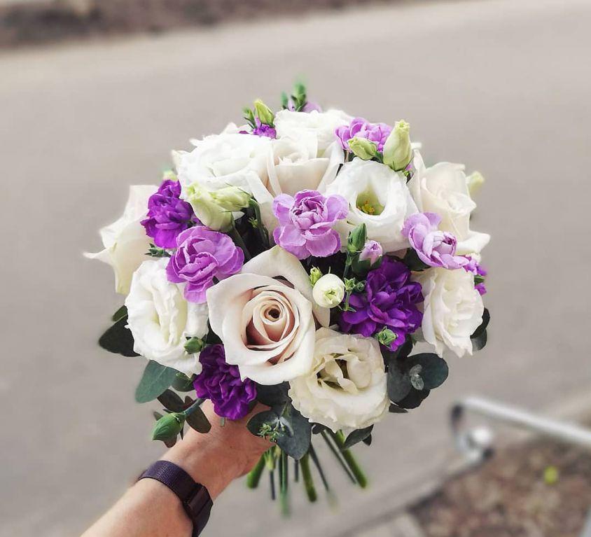 Свадебный букет невесты в бело-сиреневых тонах — 731