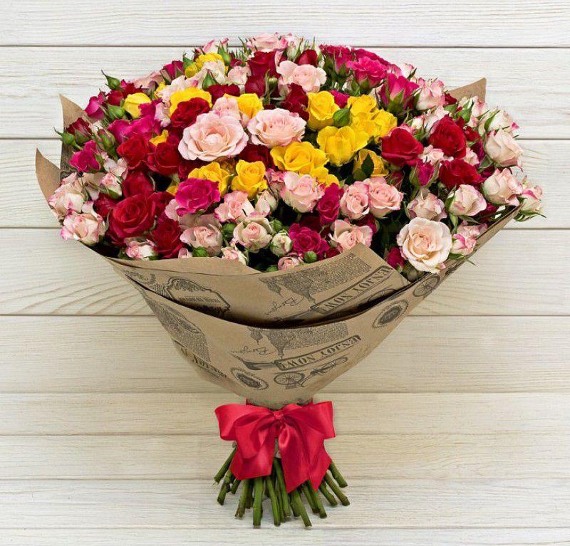 Букет из кустовых роз микс оттенков 309