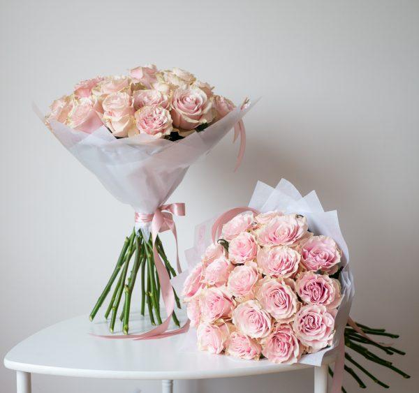 Букет из 21 розовой розы 330