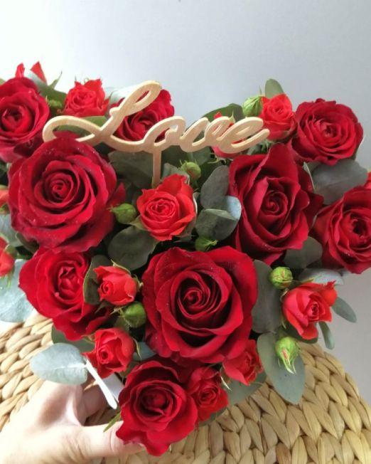 сердце с красными розами 2