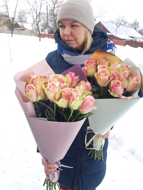 Букет из 15 розовых роз -168