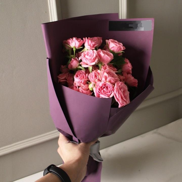Букет из 7 кустовых розовых роз — 529